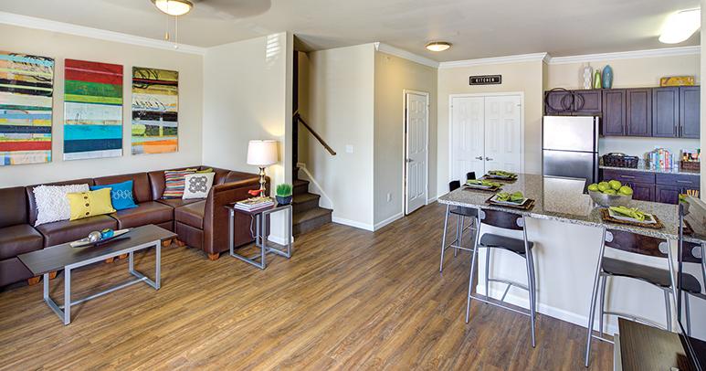 Royal Lexington Student Apartments 695 Winnie St 107 Lexington Ky 40508