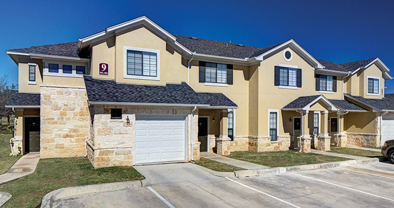 Student apartments vistas san marcos 401 n fredericksburg st san marcos tx 78666 near for San marcos one bedroom apartments