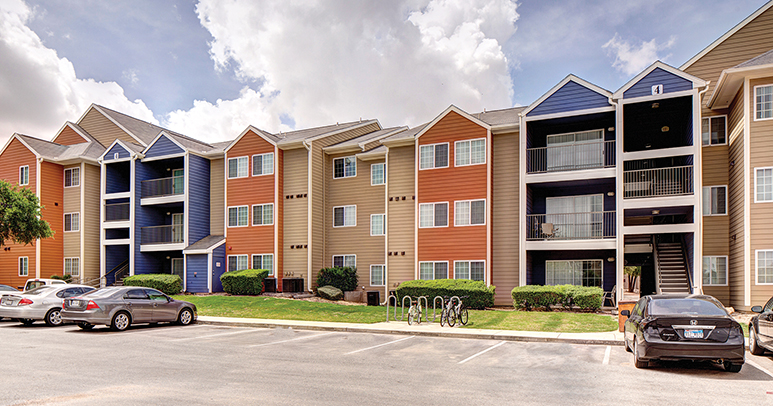 College living just steps to campus for 4 bedroom apartments near utsa